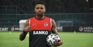 Gaziantep FK'nin forveti Felipe: Gollerimle taraftarları sevindirmek istiyorum