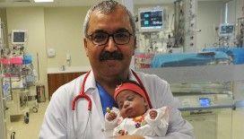 Prof. Dr. Rahmi Örs: 'Covid pozitif olan anneler tedbirlerini alarak bebeklerini emzirmeye devam etmeli'
