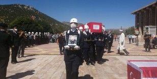 Şehit Jandarma Uzman Çavuş Hüseyin Çatal'a gözyaşlarıyla toprağa verildi