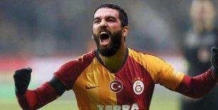 Arda Turan 3 bin 403 gün sonra Galatasaray formasıyla