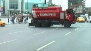 Şişli'deki AVM'de yangın paniği