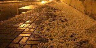 Çankırı'da önce yağmur sonra dolu etkili oldu