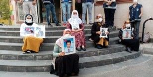 HDP önündeki ailelerin evlat nöbeti 374'üncü gününde