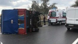 Haramidere bağlantı yolunda kamyonet devrildi