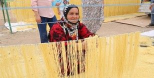 Mardin'de kadınların şehriye mesaisi başladı