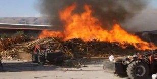 Erzincan'da kereste fabrikasında büyük yangın