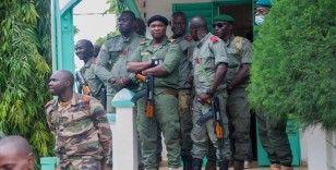 Mali'de askeri cunta, Batı Afrika bloku ile görüşecek
