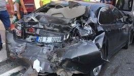 Denizli'de 9 araçlı zincirlemeli trafik kazası