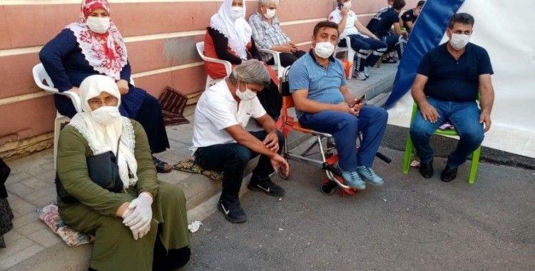 HDP önündeki ailelerin evlat nöbeti 377'nci gününde