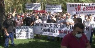 """İBB önünde servisçilerden """"10 bin yeni servis plakası"""" eylemi"""