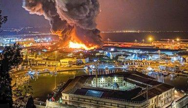 İtalya'da limanda patlama