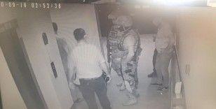 Sevgilisinin 9. kattaki balkondan sarkıttığı kadını özel harekat kurtardı