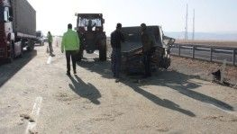 Ağrı'da traktör devrildi