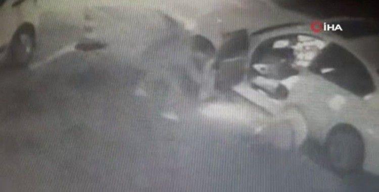 Kurşun yağdırdı: Fatih Karagümrük eski başkanına silahlı saldırı kamerada