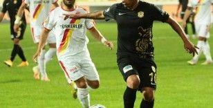 Süper Lig: Yeni Malatyaspor: 1 - Göztepe: 1 (İlk Yarı)