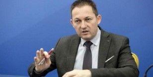 Yunan hükümet sözcüsü, saldırgan gazeteyi kınadı