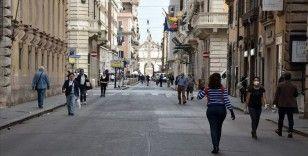 İtalya'da halk anayasa referandumu için yarın sandığa gidecek