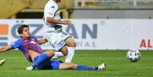 Bursasporlu futbolcular galibiyeti kutluyor