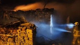 Susurluk'da bir ev alevlere teslim oldu