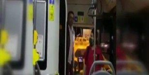 Özel halk otobüsünde şoför ve yolcu arasında tartışma kameraya yansıdı