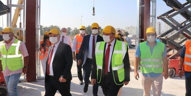 KKTC Başbakanı Tatar, Acil Durum Hastanesi inşaatında incelemelerde bulundu