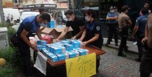 Giresun'da seyyar olarak maske satanlara operasyon