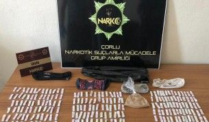 Çorlu'da polis zehir tacirinin zulasını buldu
