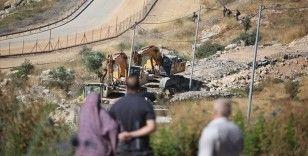 İsrail askerleri Batı Şeria'da Filistinlilere ait yapıları yıktı
