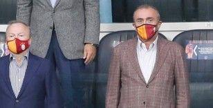 Abdurrahim Albayrak: 'Türk futbolunda artık beyaz sayfanın açmanın zamanı geldiğini düşünüyorum'