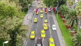 Taksiciler ve servisçilerden İBB önünde eylem