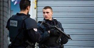 Charlie Hebdo'nun eski binasının bulunduğu bölgede bıçaklı saldırı: 4 yaralı