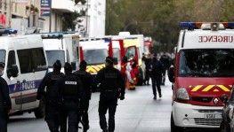 Paris'te satırlı saldırı