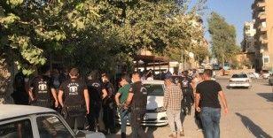 Şanlıurfa'da karakol önünde taşlı sopalı kavga: 7 yaralı