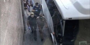 Kobani eylemleri soruşturmasında gözaltına alınan HDP'liler adliyeye getirildi