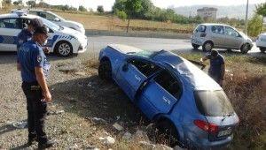 Komiser yardımcısı ve mühendis eşi kazada yaralandı