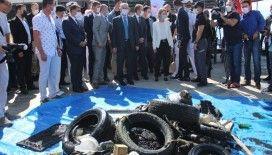 İzmir'de denizden çıkan çöpler şoke etti
