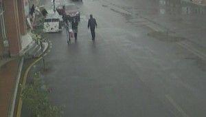 Azerbaycan'ın Gence şehrindeki AVM'ye roket düştü