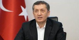 Milli Eğitim Bakanı Selçuk: Uzaktan eğitim bir mecburiyet