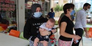 Antalya'da annesinin terkettiği bebek babasına teslim edildi