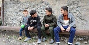 Savaş bölgesinde çocuk olmak