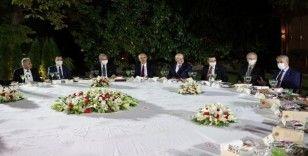Eski Meclis başkanları ile yüksek yargı başkanlarını yemekte ağırladı