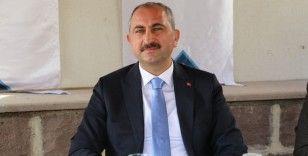 Bakan Gül'den FETÖ'yle mücadelede kararlılık vurgusu