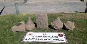 Diyarbakır'da Asur dönemine ait üzeri kabartma yazılı taş ele geçirildi