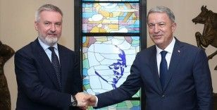 Milli Savunma Bakanı Akar mevkidaşı Guerini ile görüştü