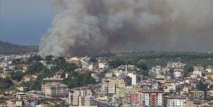 Hatay'daki orman yangını kontrol altına alınmaya çalışılıyor