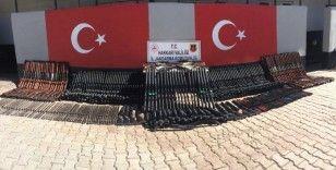 Hakkari'de 1 milyon 250 TL değerinde kaçak silah ele geçirildi