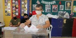 KKTC'de cumhurbaşkanlığı seçimi için oy kullanma işlemi başladı