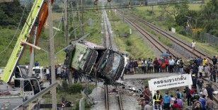 Tayland'da otobüsle tren çarpıştı: 20 ölü 29 yaralı