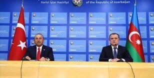 Dışişleri Bakanı Çavuşoğlu, Azerbaycanlı mevkidaşı Bayramov'la Ermenistan'ın ateşkes ihlallerini görüştü