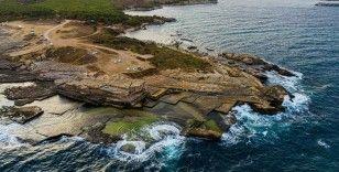 Karedeniz kıyısındaki tarihi taşocağı güzelliğiyle mest ediyor